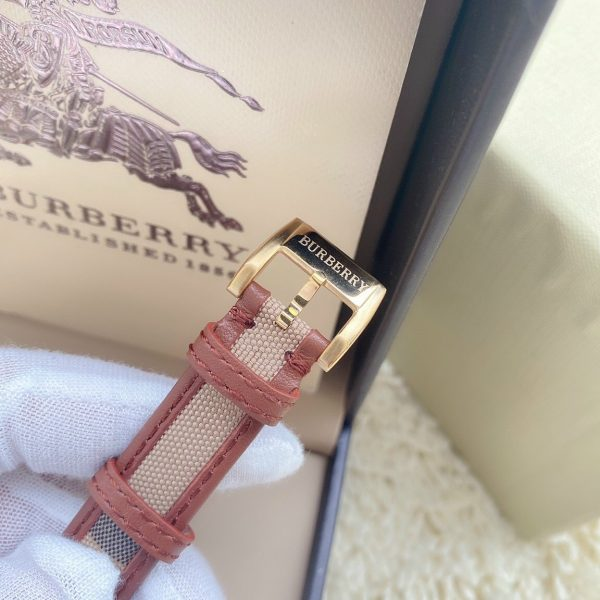Đồng hồ Burberry fake