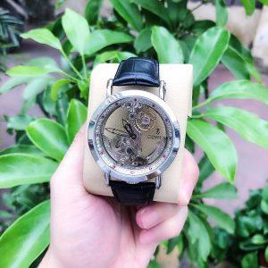 Đồng hồ Corum nam mặt tròn