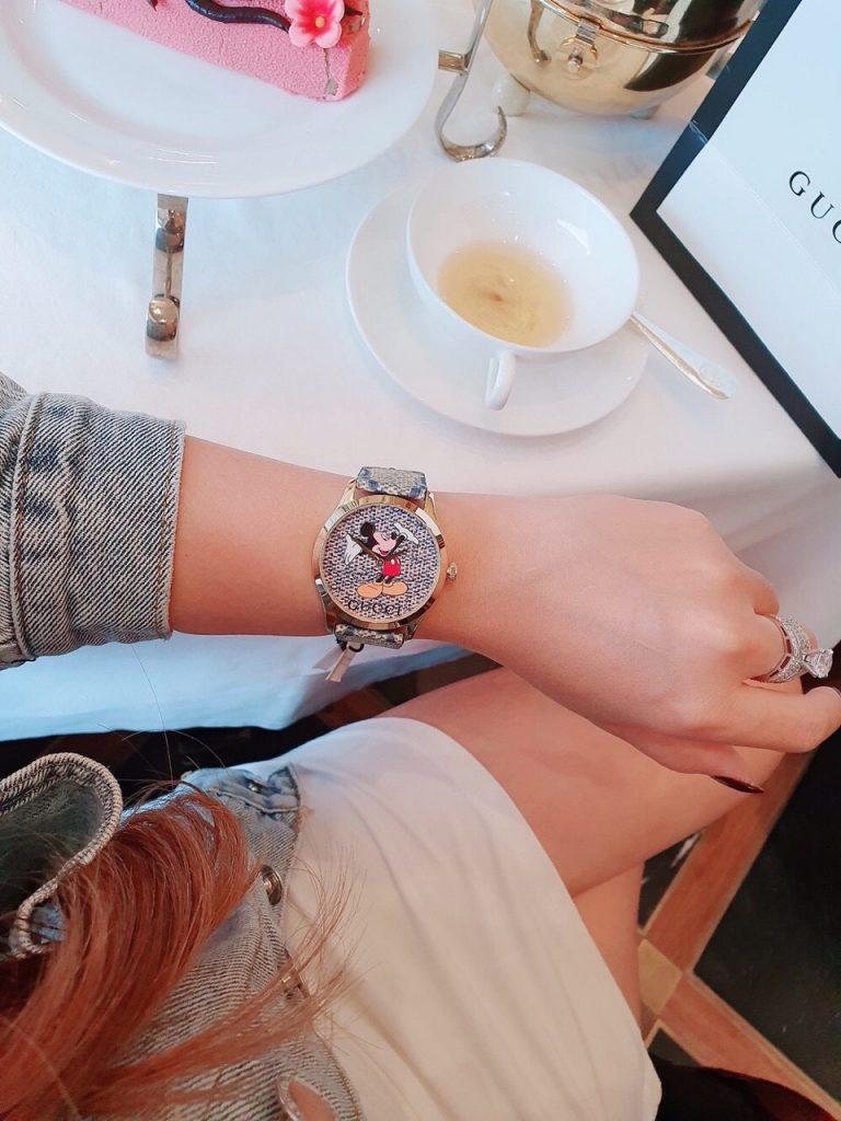 Đồng hồ Gucci nữ dây da mặt tròn