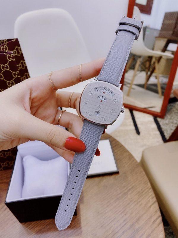 Đồng hồ Gucci nữ mặt vuông dây da