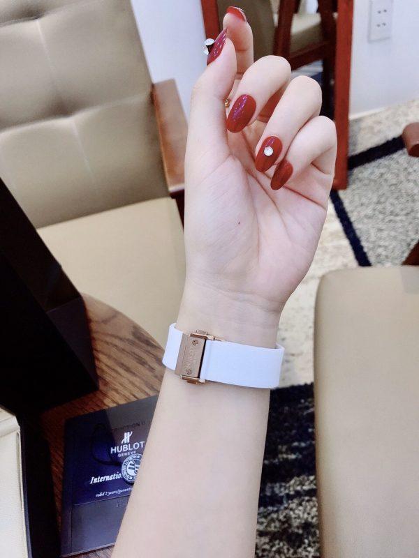 Đồng hồ Hublot nữ màu trắng