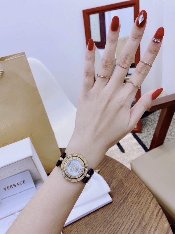 Đồng hồ Versace nữ mặt tròn 1