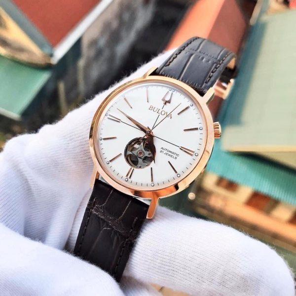 Đồng hồ Bulova dây da