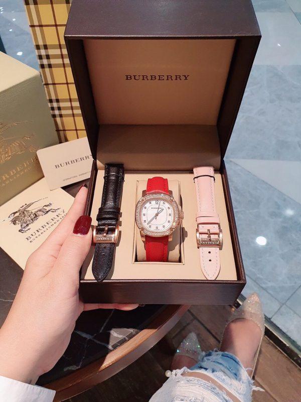 Đồng hồ Burberry nữ mặt vuông