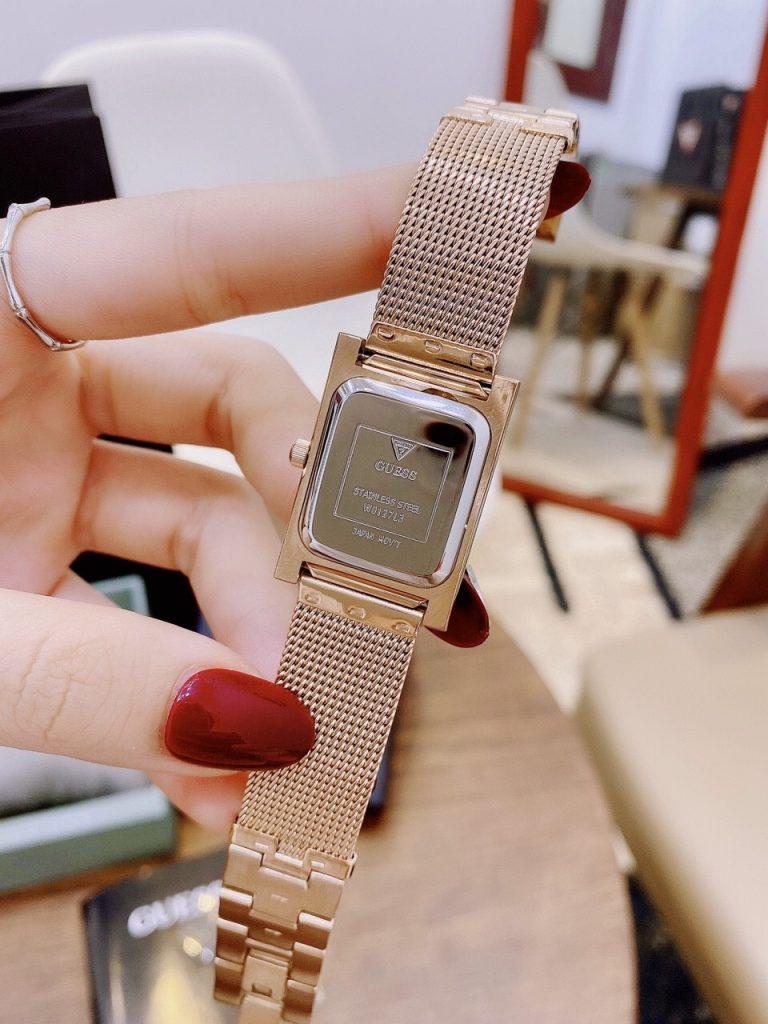 Đồng hồ Guess nữ màu hồng