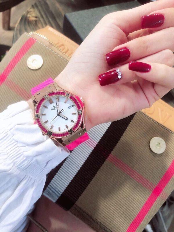 Đồng hồ Hublot nữ dây cao su đính đá