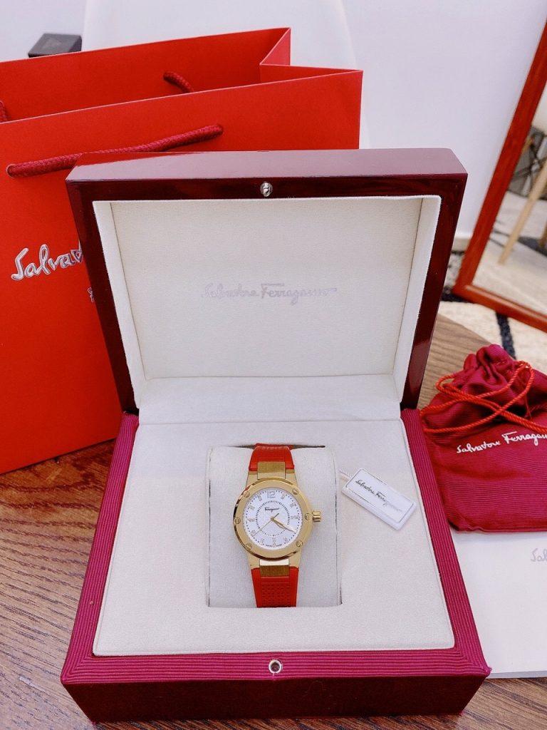 Đồng hồ Salvatore Ferragamo classic