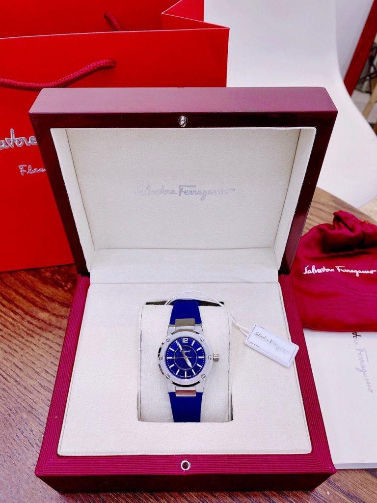 Đồng hồ Salvatore Ferragamo màu xanh