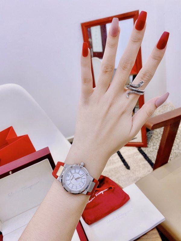 Đồng hồ Salvatore Ferragamo nữ dây cao su