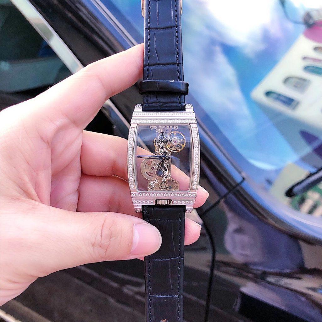 Đồng hồ Corum