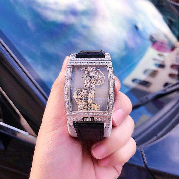 Đồng hồ cơ nam Corum