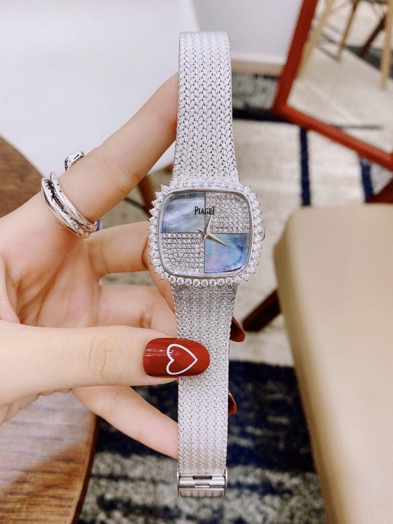 Đồng hồ nữ mặt vuông đẹp
