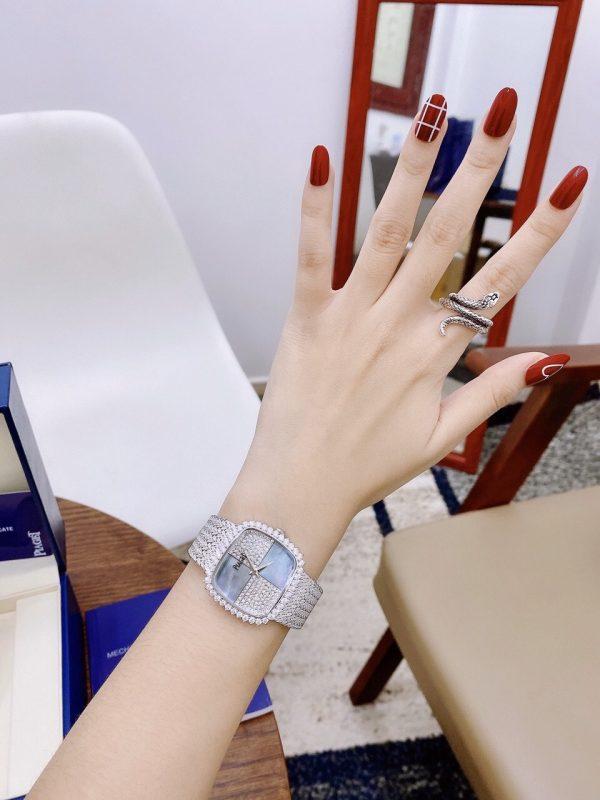 Đồng hồ nữ mặt vuông dây kim loại