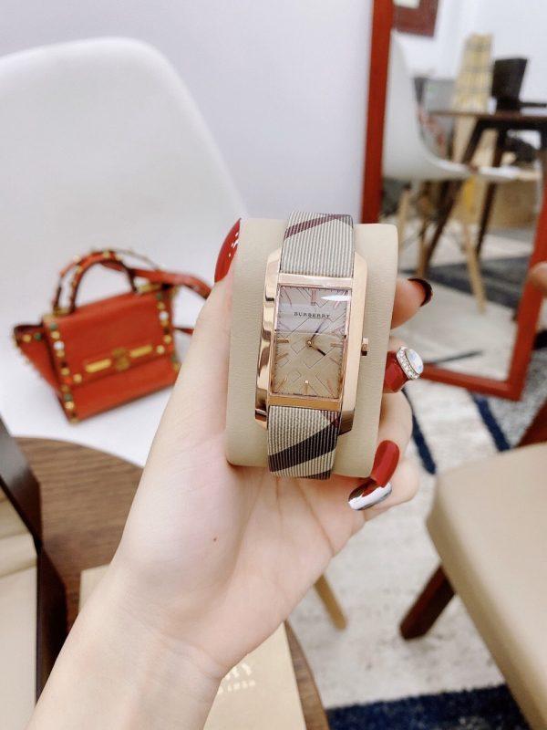 Đồng hồ Burberry nữ mặt chữ nhật