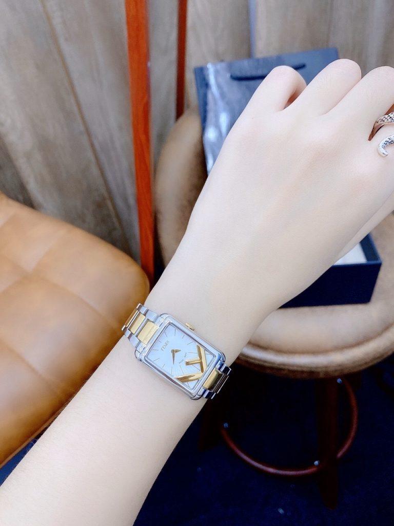 Đồng hồ Fendi nữ mặt chữ nhật