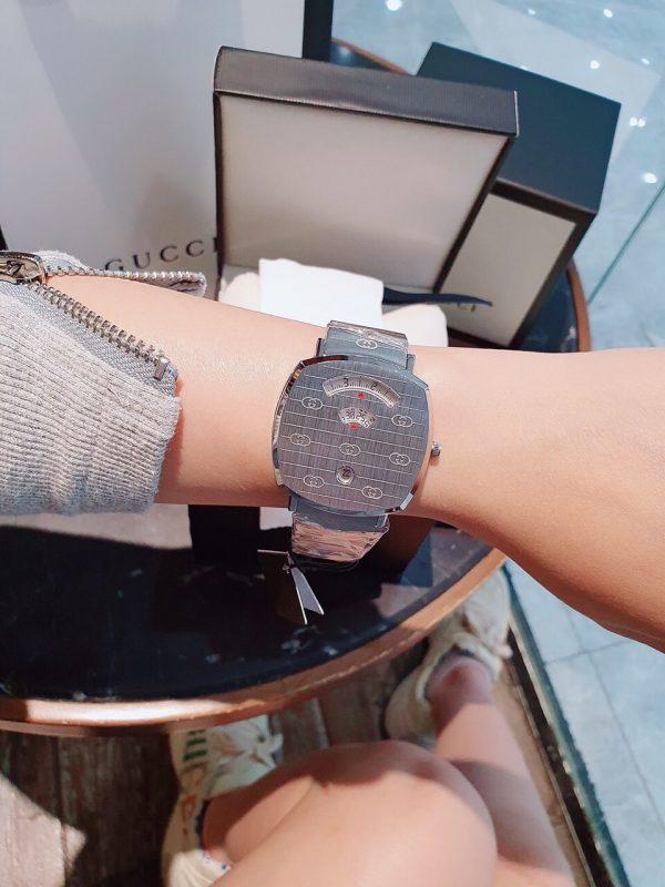 Đồng hồ Gucci nữ dây kim loại