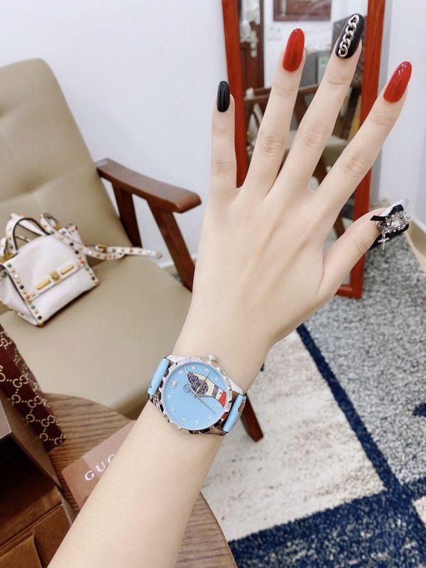 Đồng hồ Gucci nữ mặt tròn dây da