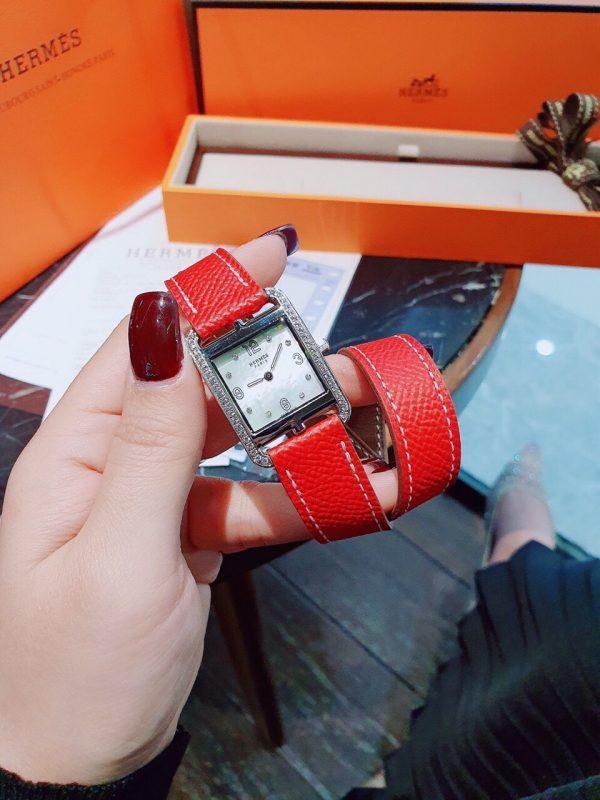 Đồng hồ Hermes mặt vuông