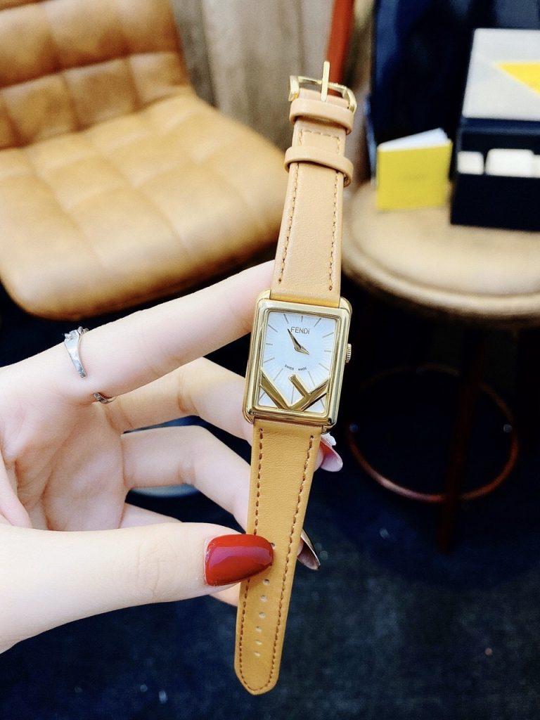 Đồng hồ dây da nữ hàng hiệu