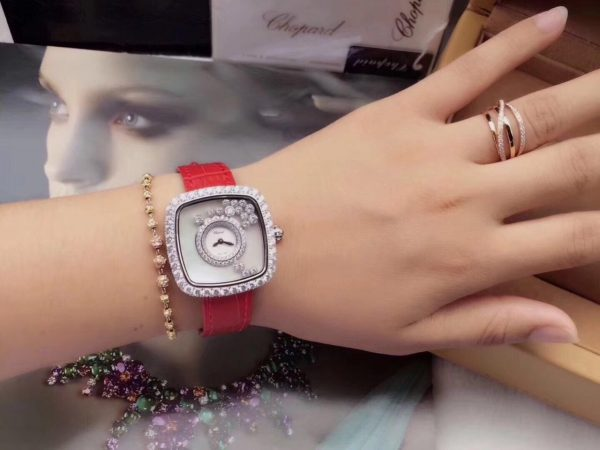 Đồng hồ nữ đẹp Chopard dây da