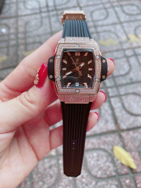 Đồng hồ Hublot nữ giá rẻ