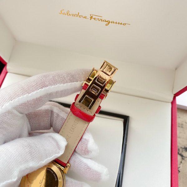 Đồng hồ Salvatore Ferragamo dây da màu đỏ