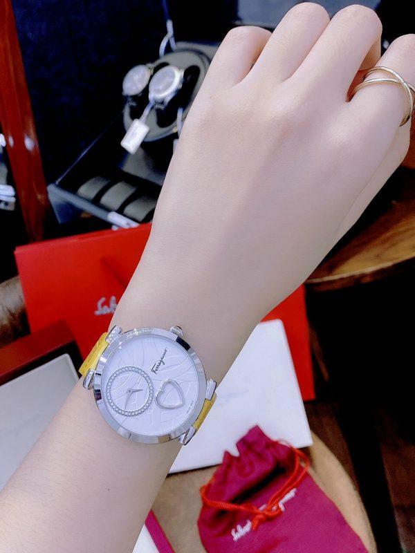 Đồng hồ Ferragamo nữ dây da