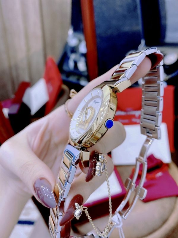 Đồng hồ Ferragamo nữ dây kim loại