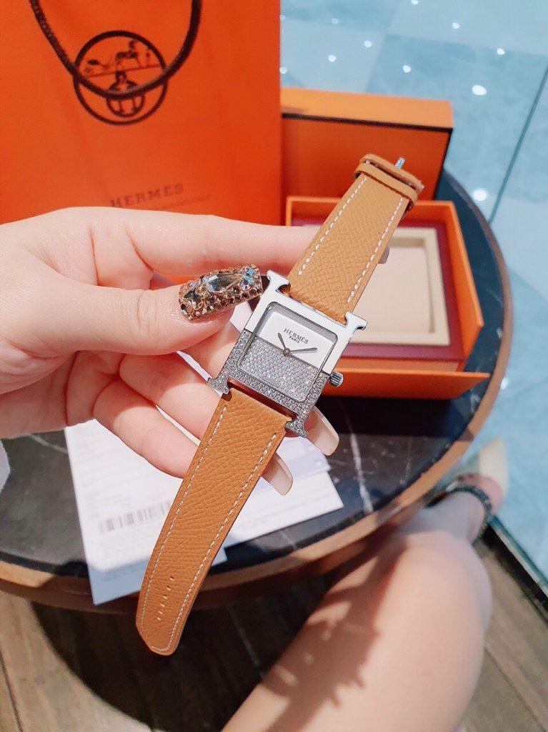 Đồng hồ Hermes nữ mặt vuông