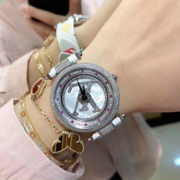Đồng hồ Louis Vuitton siêu cấp