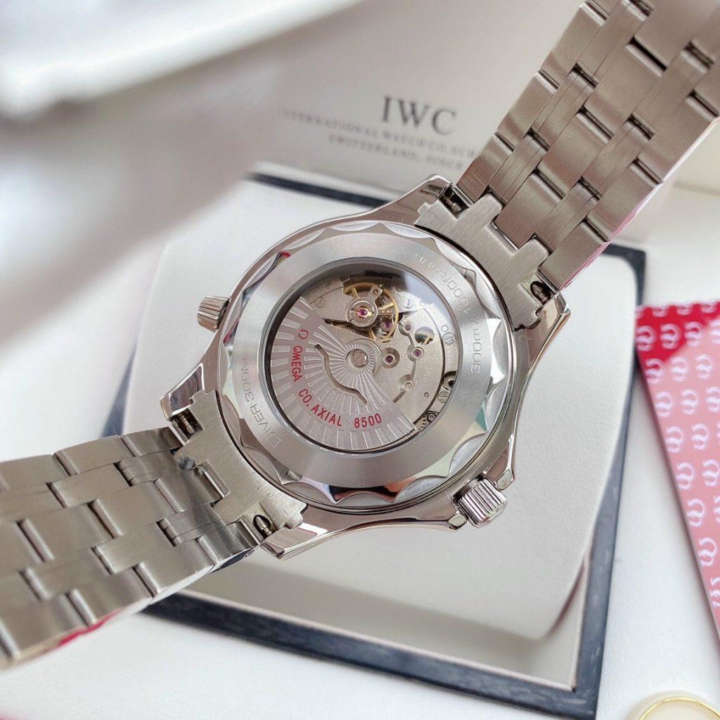 Đồng hồ Omega Seamaster