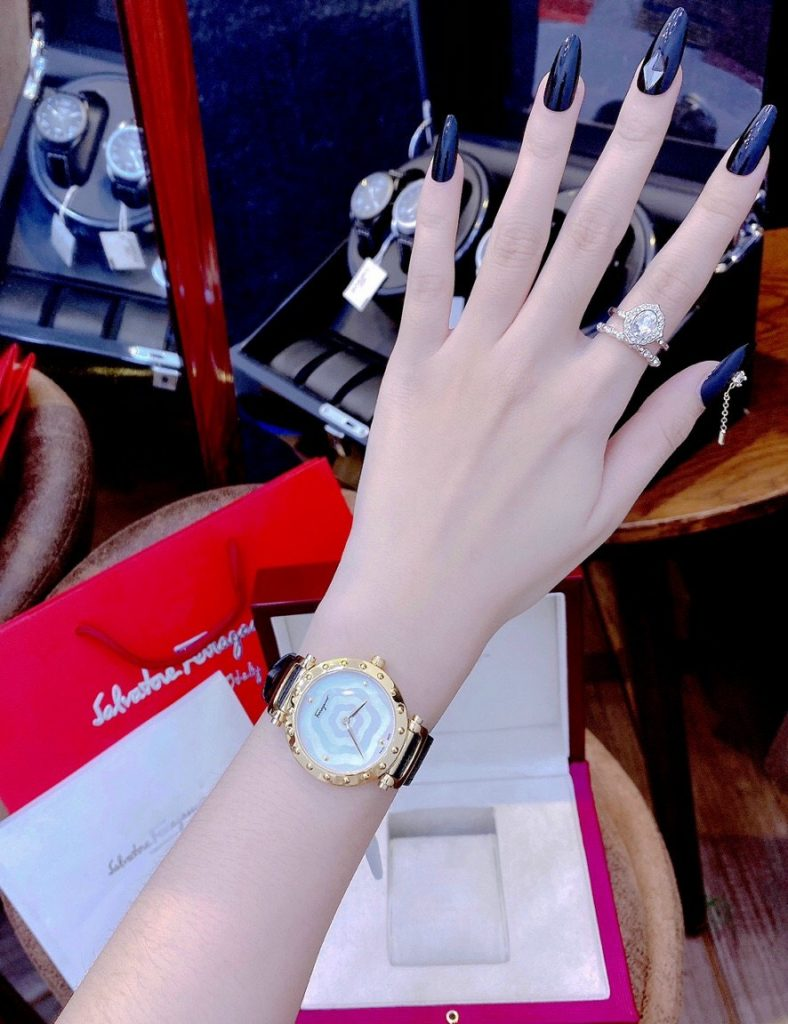 Đồng hồ Salvatore Ferragamo nữ đẹp