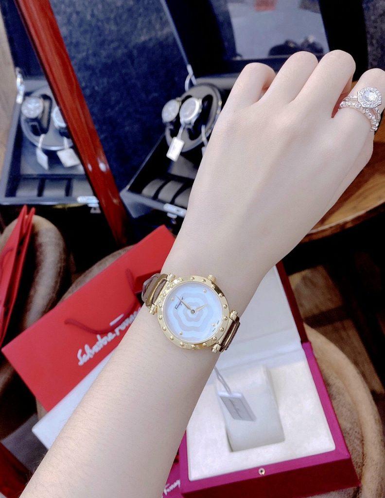 Đồng hồ Salvatore Ferragamo nữ dây da