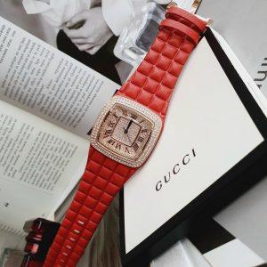 Đồng hồ Davena