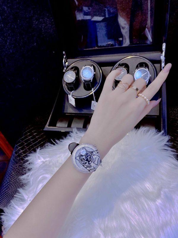 Đồng hồ Cartier đính kim cương nhân tạo