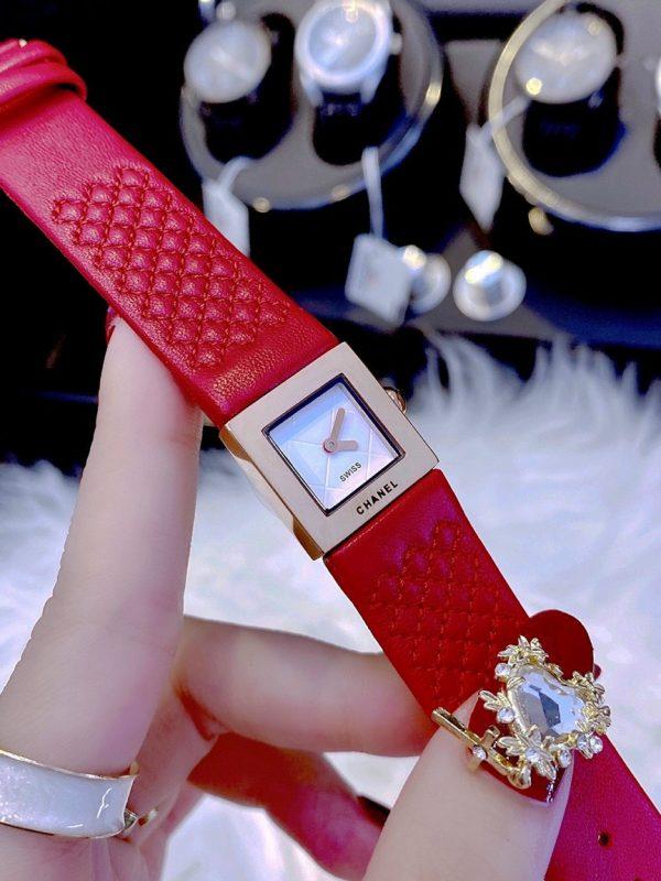 Đồng hồ Chanel nữ mặt vuông