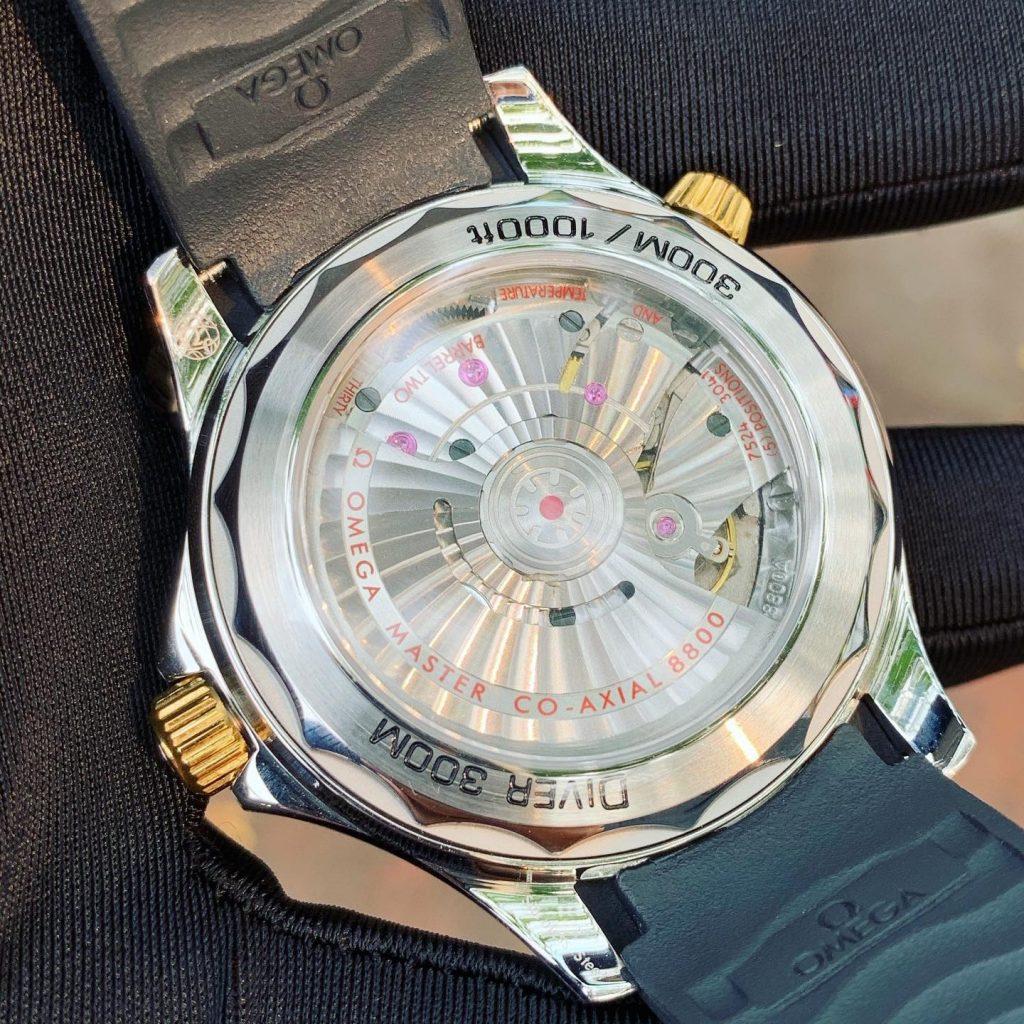 Đồng hồ cơ nam Omega